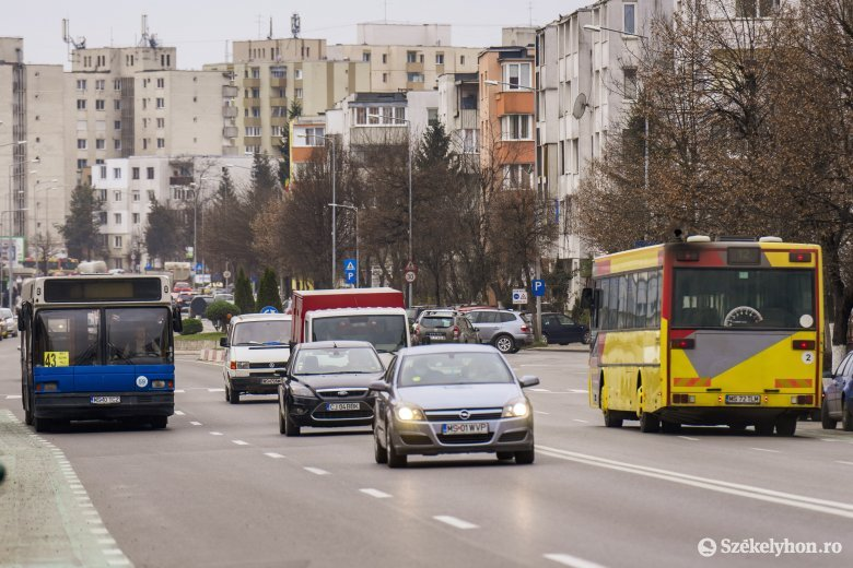 Kifüggesztik az autóbuszok menetrendjét