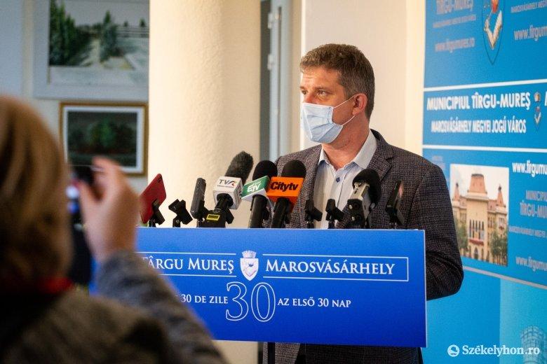 Húsz százalékkal csökkentené a városháza alkalmazottainak számát Soós Zoltán