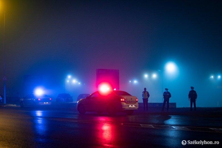 Jeleztek a rendőrök, de ő gyorsan továbbhajtott, hogy legyen ideje átülni a kormánytól