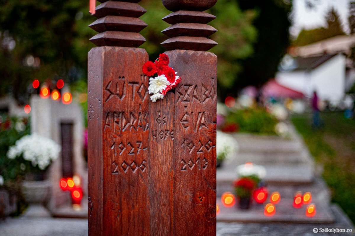 https://media.szekelyhon.ro/pictures/vasarhely/aktualis/2020/02_november/o_halottak-napja-2020-vasarhely_rz-07.jpg