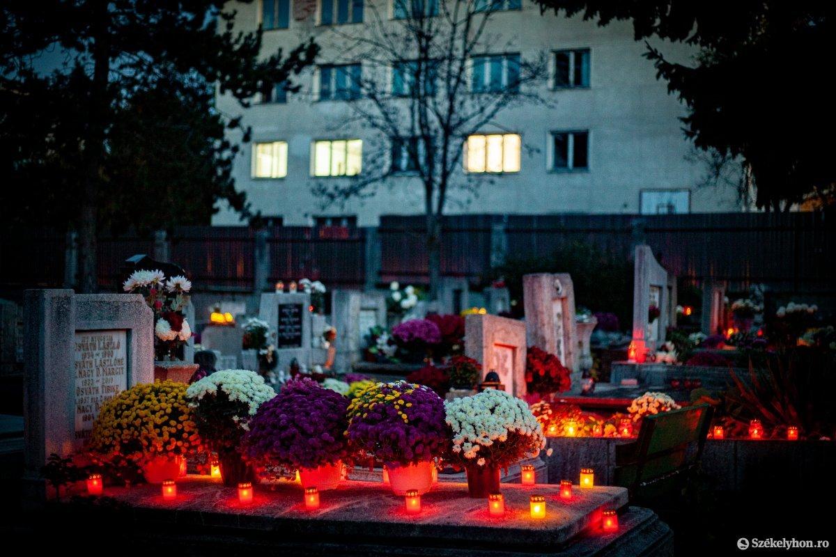 https://media.szekelyhon.ro/pictures/vasarhely/aktualis/2020/02_november/o_halottak-napja-2020-vasarhely_rz-13.jpg