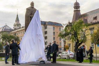 Visszaszerzett tekintély: felavatták Bethlen Gábor egész alakos szobrát Marosvásárhelyen