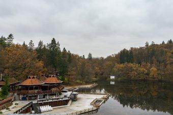 Megtépázta a romániai turizmust a járvány, sok vállalkozó nem fér hozzá a segélyhez