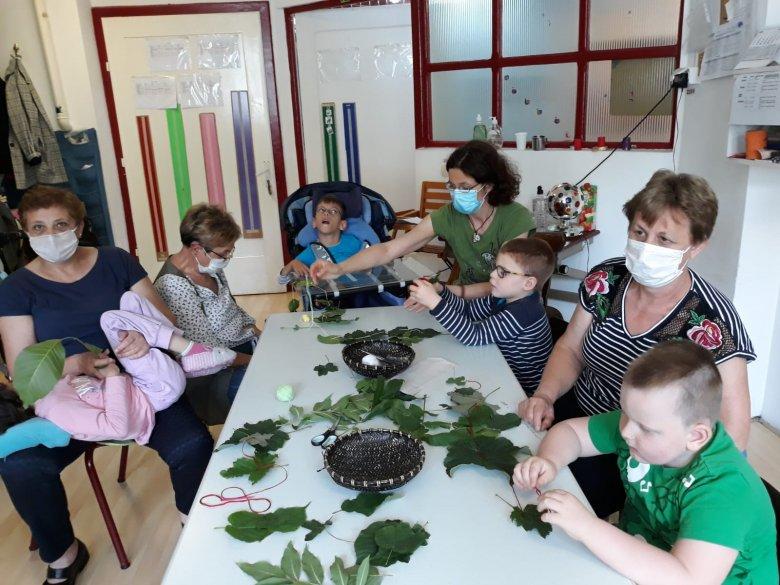 Művészetterápiával fejlesztették a fogyatékkal élő gyerekeket
