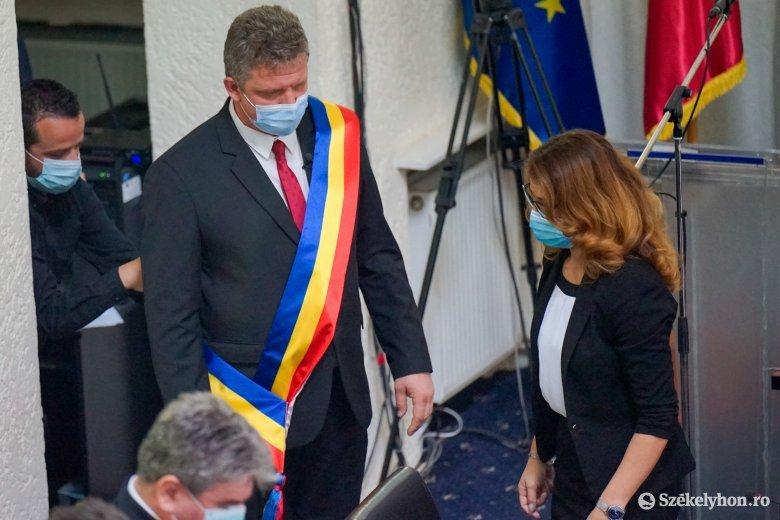 Történelmi pillanat: húsz év után magyar polgármestert iktattak Marosvásárhelyen