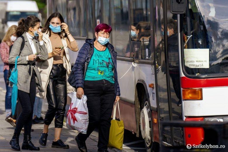 Vásárhelyen és további hat Maros megyei településen kötelező a maszkviselés kültéren