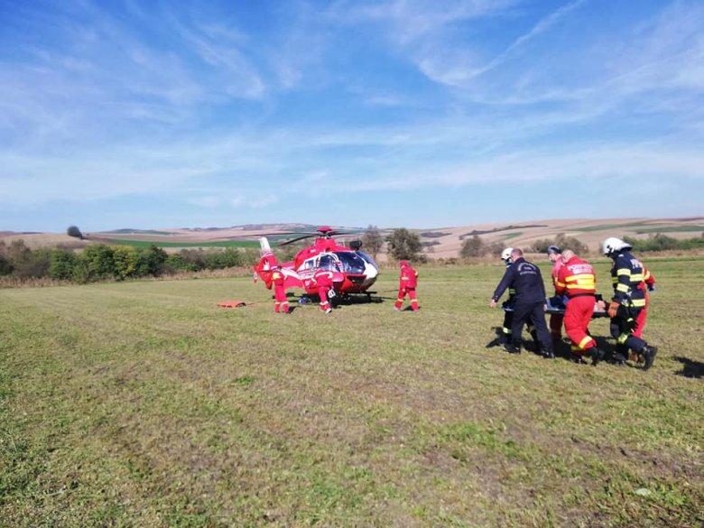 Mentőhelikopter szállította kórházba a karján megsérült férfit