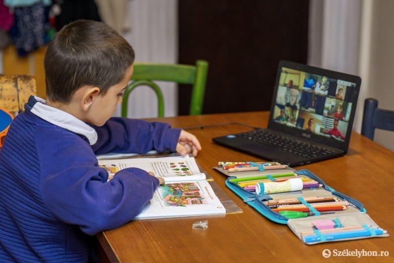 Járvány után is megtartaná az online és hibrid oktatási formát a minisztérium