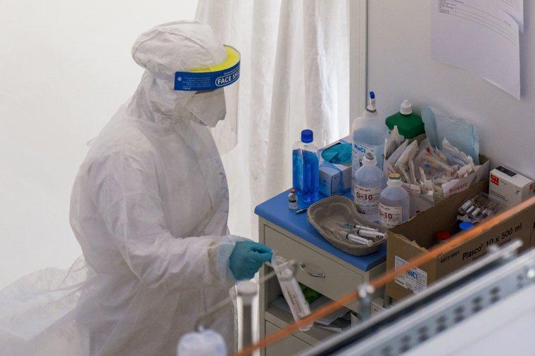Negyvenen vannak az intenzív terápián, öten elhunytak Maros megyében