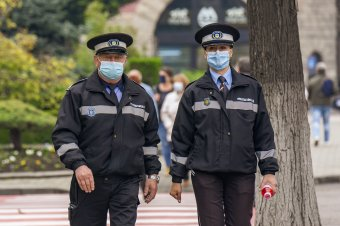 Megkezdték a rendőrök és a csendőrök beoltását