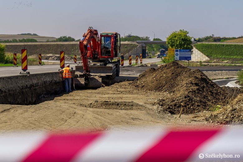 Autópálya-építés: visszatérnek a munkagépek a Maroskece-Aranyosgyéres szakaszra?