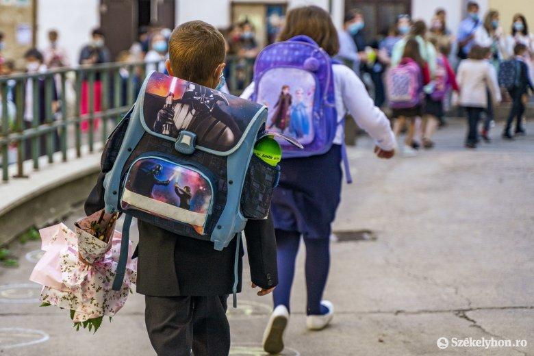 Könnyebb lesz az iskolatáska, ígéri Sorin Cîmpeanu oktatási miniszter