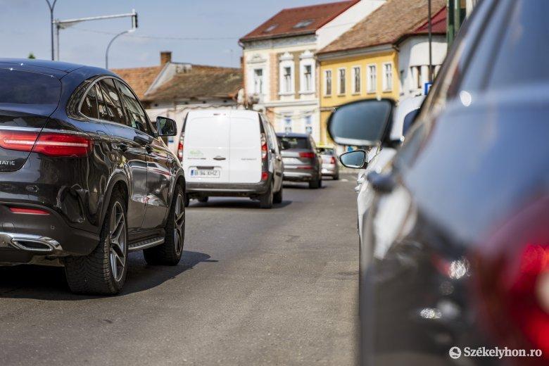 Felturbózzák az autóbiztosítások árát a piacvezető romániai társaságok