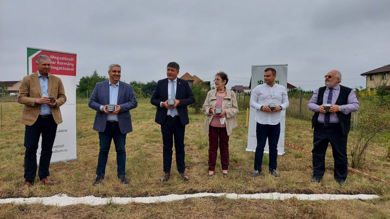 Szolgálati lakást építenek Marosvásárhely szomszédságában