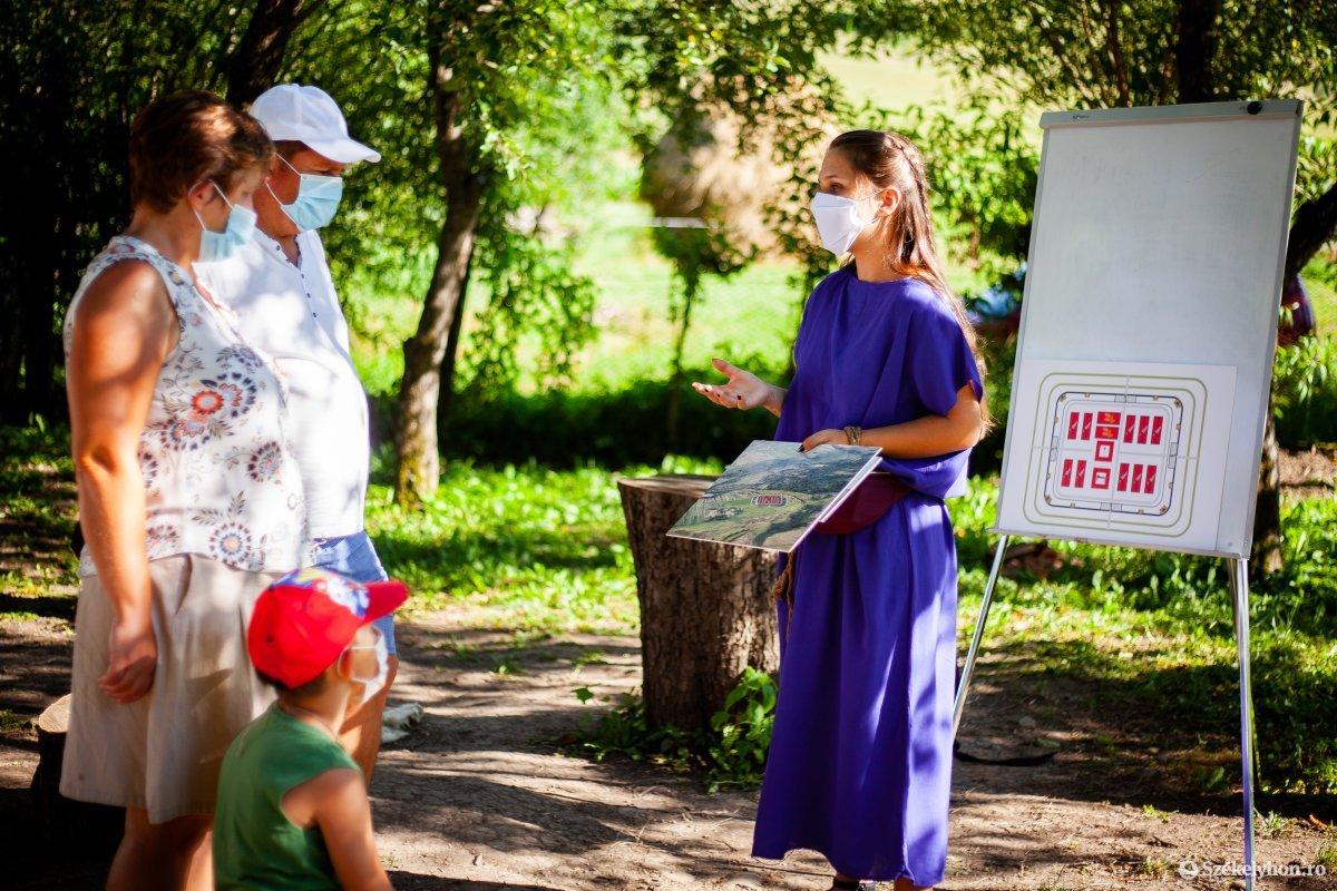 https://media.szekelyhon.ro/pictures/vasarhely/aktualis/2020/05_augusztus/o_romai-fesztival-2020_mikhaza_rz-07.jpg