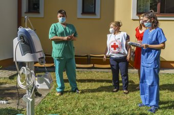 Lélegeztetőgépet adományoztak a marosvásárhelyi ideiglenes kórháznak