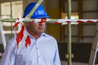 Közel félmillió munkahely szűnt meg Romániában a járvány miatt