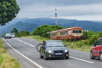 Riadót fújt a szovátai gőzös: a megmaradt sínpárok felszámolásától tartanak a Maros megyei kisvasút működtetői