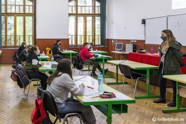 Tanügyminiszter: a 2,9 millió diákból 1,4 millió térhet vissza az iskolapadokba a második félévtől