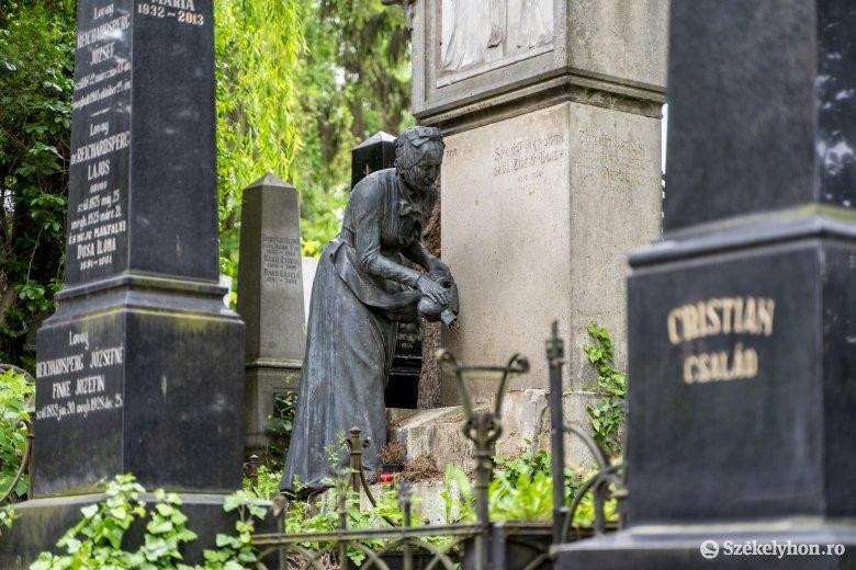 Síremlékről loptak el egy szobrot