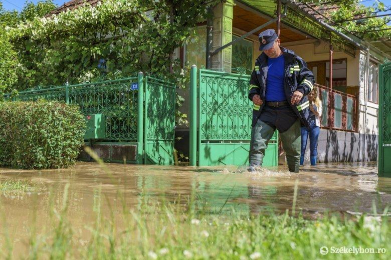 Hatalmas vízmennyiség mosta át a Maros megyei településeket