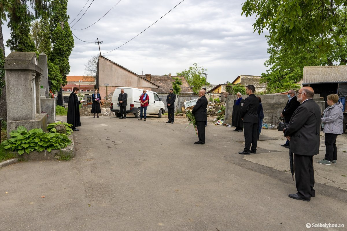 https://media.szekelyhon.ro/pictures/vasarhely/aktualis/2020/07_junius/o_trianon_reformatustemeto_01_hv.jpg
