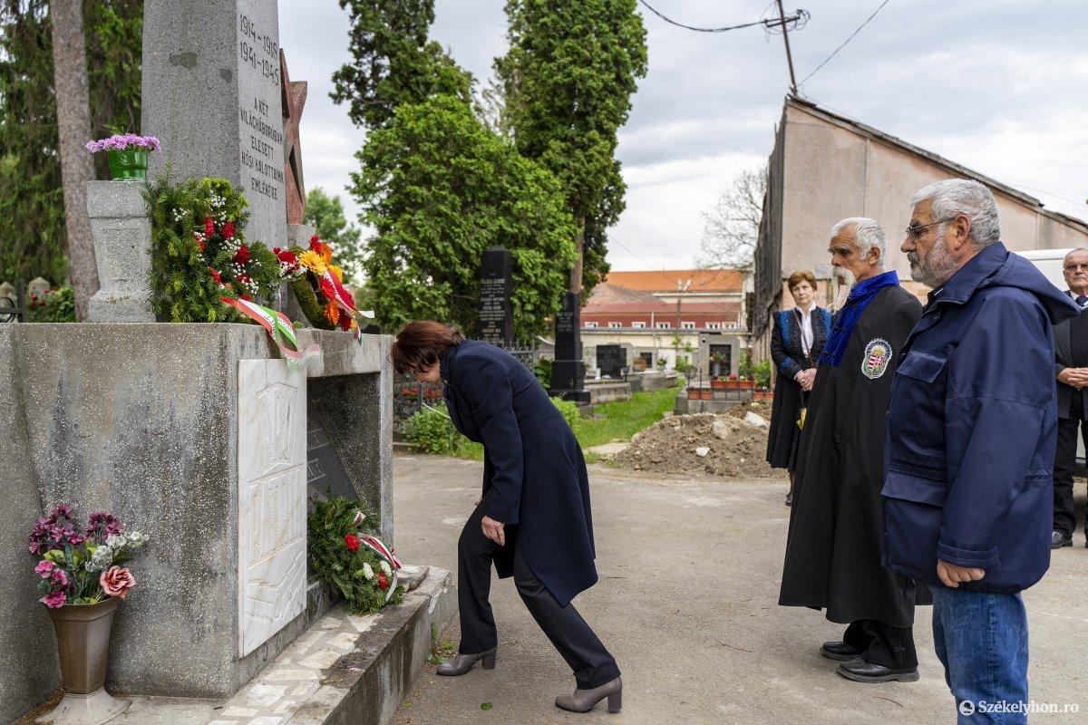 https://media.szekelyhon.ro/pictures/vasarhely/aktualis/2020/07_junius/o_trianon_reformatustemeto_04_hv.jpg