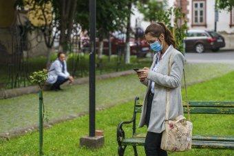 Tătaru: csökken a fertőzöttek átlagéletkora, egyre több a súlyos eset a fiatalok körében
