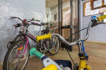 Két helyen volt lezárva a bicikli, mégis ellopták