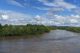 Másodfokú árvízriasztás Szatmár megyében, sárga figyelmeztetés a Bánságban