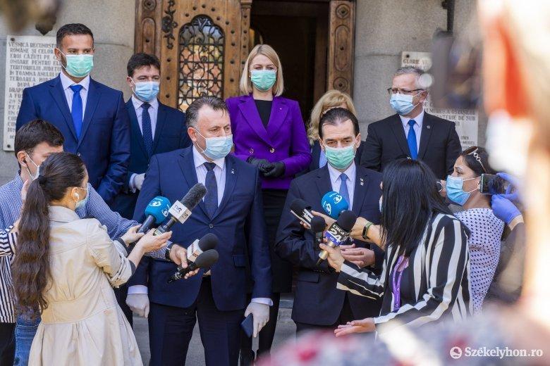 Miniszterelnöki villámlátogatás szükségkórház-avatással