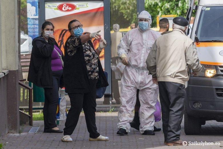 Országosan kevéssel csökkent az elmúlt nap alatt azonosított fertőzöttek száma
