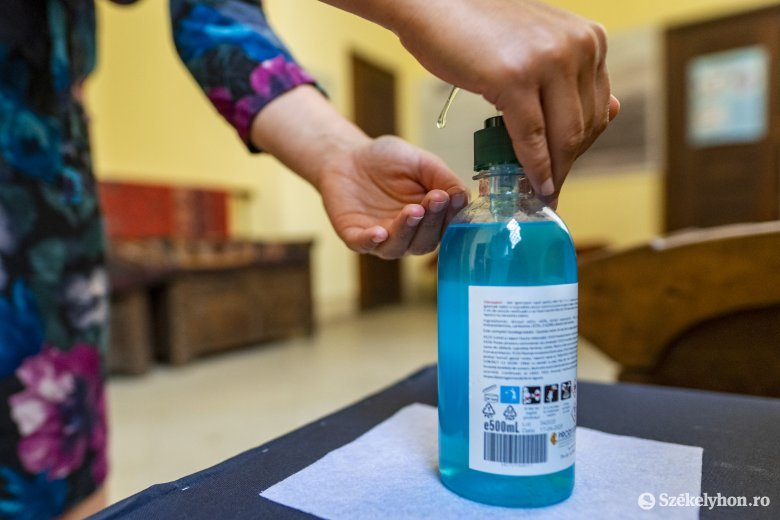 Tisztító- és fertőtlenítőszerekre kaptak pénzt a Maros és Hargita megyei törvényszékek