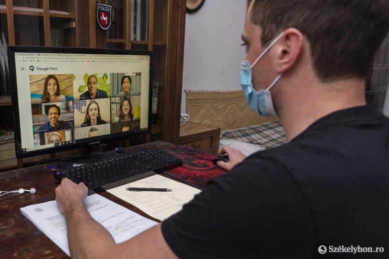 Online tanfolyam az online oktatásról