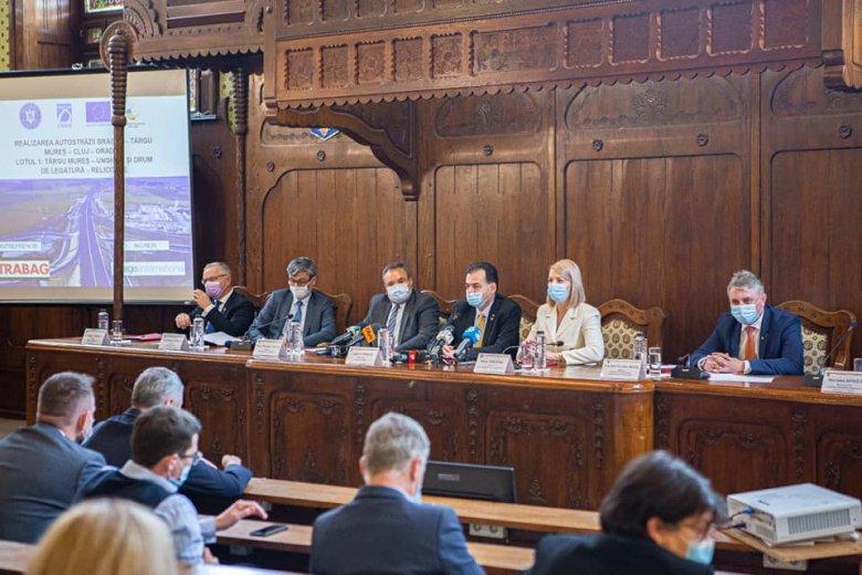 Orban Marosvásárhelyen: 2020 az észak-erdélyi autópálya éve lesz