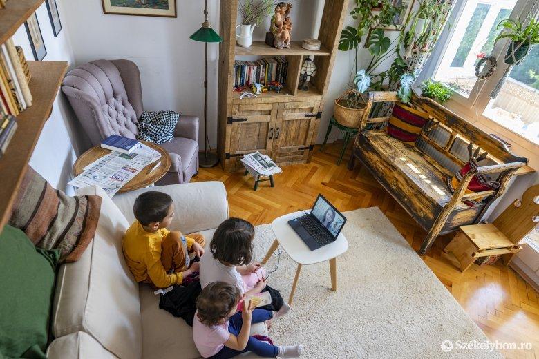 Az iskolák többsége nem áll készen a hagyományos és online oktatás ötvözetének a bevezetésére