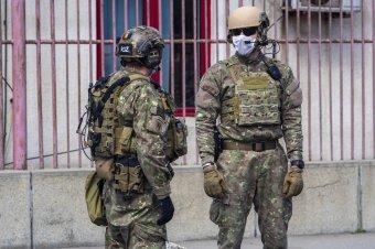 Védelmébe vette a katonai nyugdíjakat a védelmi miniszter