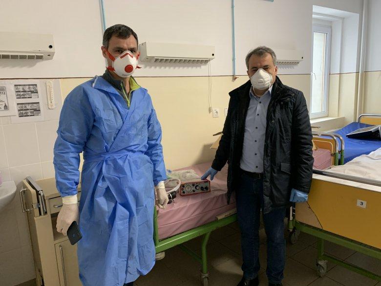 Lélegeztetőgépet adományozott a marosvásárhelyi kórháznak a Rotary Club Téka
