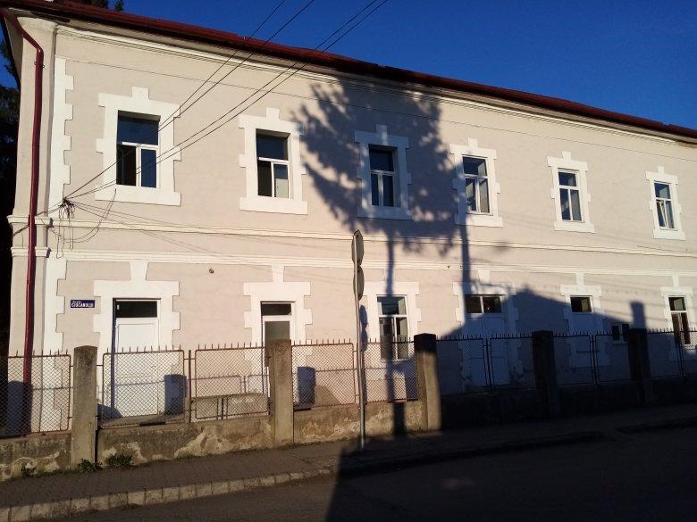1688-an vannak otthoni elkülönítésben, 59-en intézményes karanténban Maros megyében