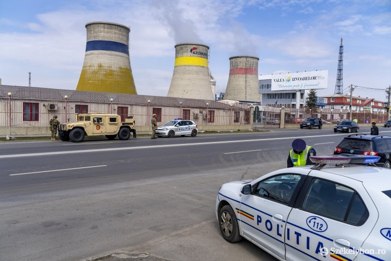 Így szól a román himnusz a rendőrautóból – videó