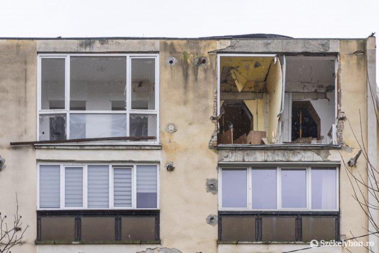 A gázrobbanás okozóját még nem találták meg, a felújítás is egy helyben áll