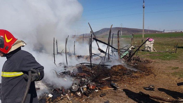 Leégett egy ház, égési sérüléseket szenvedett egy hároméves gyerek