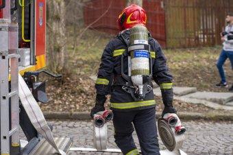 FRISSÍTVE – Újabb kórháztűz: a kapnikbányai pszichiátria több mint hetven páciensét kellett evakuálni
