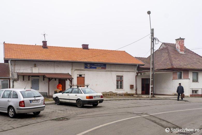 Vasúti várótermeket zártak be, tetemes pénzbírságot róttak ki