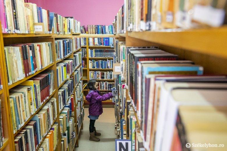 Olvasás után fertőtlenítés – így működnek a székelyföldi könyvtárak járványidőben