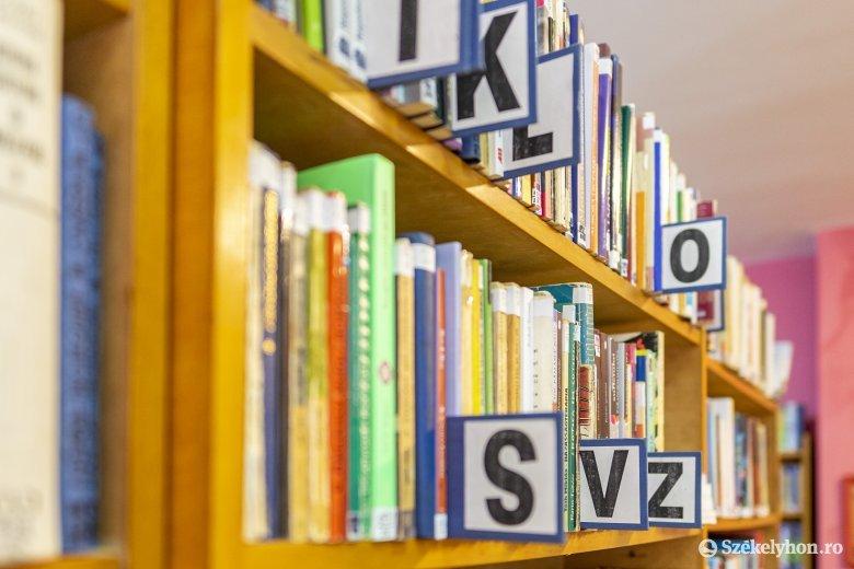 Virtuálisból valódi nagymamahálózatot épített ki a könyvtáros