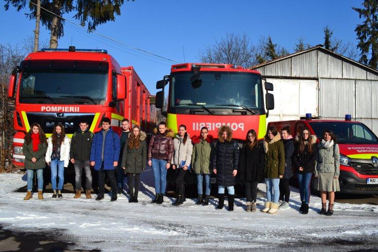 Megtanulni az életmentés és tűzoltás alapismereteit