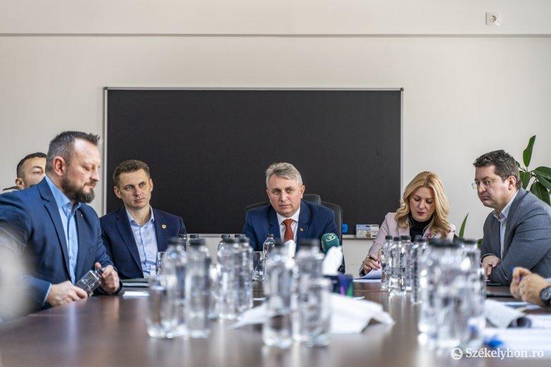 Idén autópályán közlekedhetünk Radnót és Aranyosgyéres között – reméli a miniszter