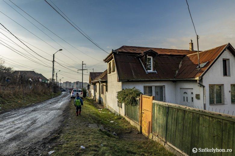 Az iskolabezárás hátulütői: a mélyszegénységben élő gyerekek még inkább lemaradnak