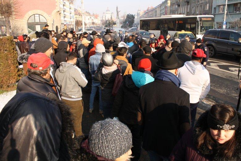 Utcára vonultak, Florea lemondását követelték Marosvásárhelyen